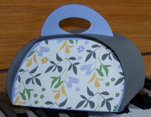 Color challenge - gift bag